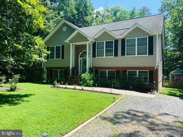 102 Needwood Drive, RUTHER GLEN, VA 22546 (#VACV120290) :: AJ Team Realty