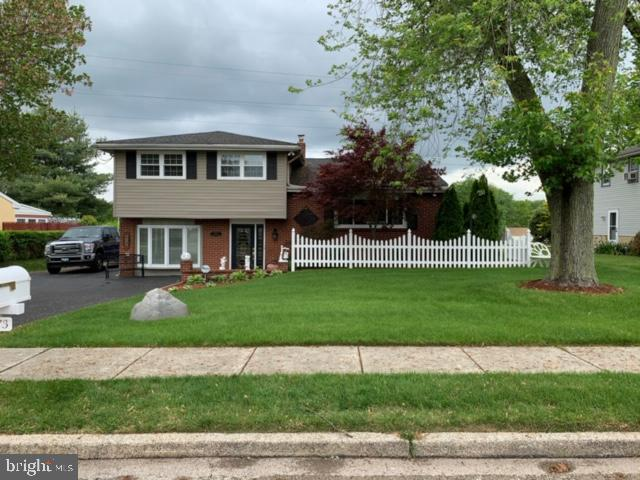 3073 Plymouth Rock Road, PLYMOUTH MEETING, PA 19462 (#PAMC611532) :: ExecuHome Realty