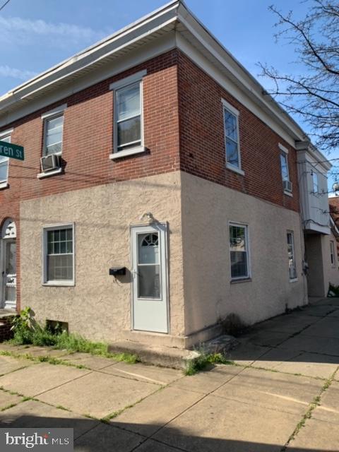 1028 Chestnut Street - Photo 1