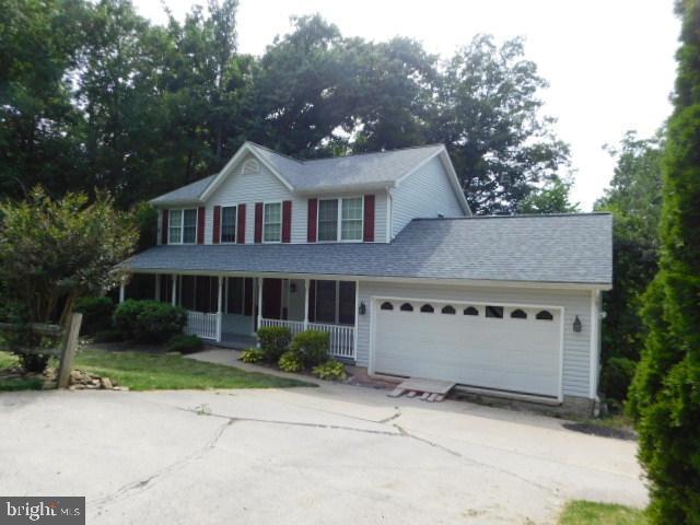 152 White Oak, HARPERS FERRY, WV 25425 (#WVJF135320) :: The Miller Team