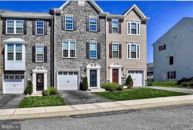1265 Elderslie Lane, YORK, PA 17403 (#PAYK118342) :: The Heather Neidlinger Team With Berkshire Hathaway HomeServices Homesale Realty
