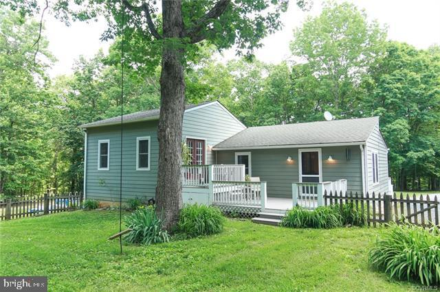 3414 Rolling Road S, SCOTTSVILLE, VA 24590 (#VAFN100792) :: The Dailey Group