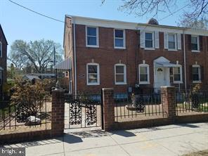 6032 Eastern Avenue NE, WASHINGTON, DC 20011 (#DCDC430334) :: The Miller Team