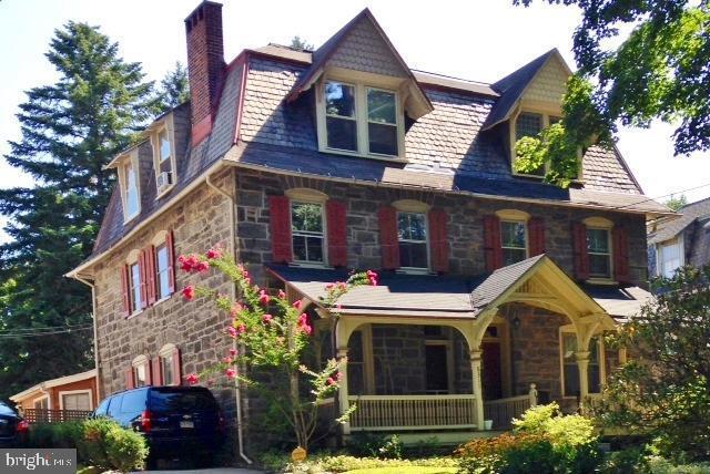 8311 Shawnee Street, PHILADELPHIA, PA 19118 (#PAPH804942) :: Dougherty Group