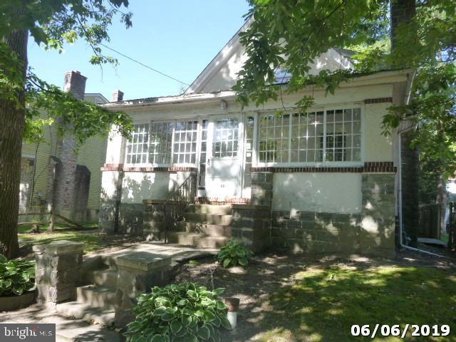 48 Wildwood Avenue, LANSDOWNE, PA 19050 (#PADE493464) :: Jason Freeby Group at Keller Williams Real Estate