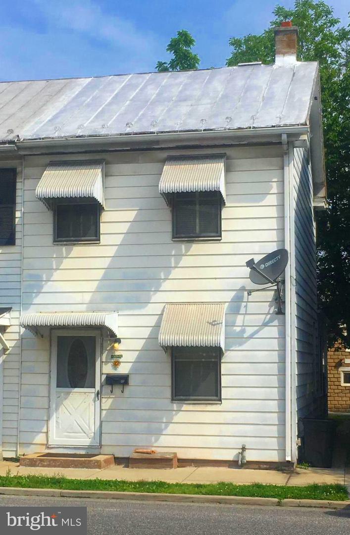46 Simpson Street - Photo 1