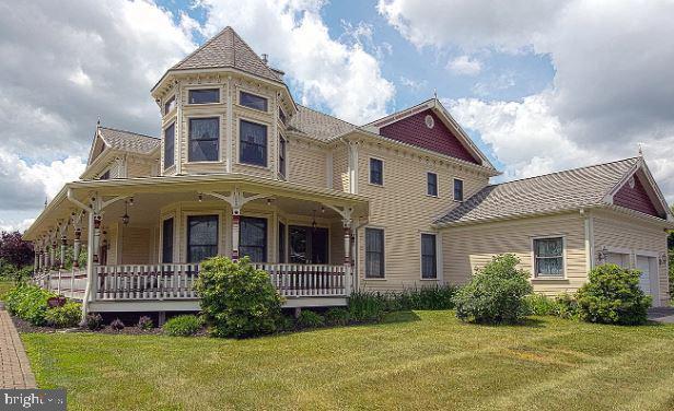 2 Terhune Court, FRANKLIN PARK, NJ 08823 (#NJSO111768) :: Tessier Real Estate