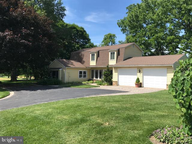 701 Willowdale Lane, KENNETT SQUARE, PA 19348 (#PACT481328) :: McKee Kubasko Group