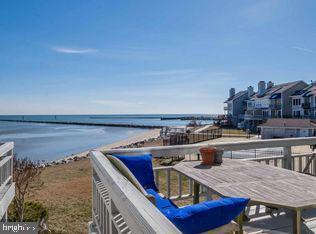 4005 Windward Key Court, CHESAPEAKE BEACH, MD 20732 (#MDCA170240) :: Gail Nyman Group