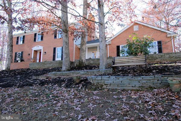 9505 Fox Chase Drive, NOKESVILLE, VA 20181 (#VAPW470594) :: Jacobs & Co. Real Estate