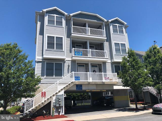 102 10TH Street A Bldg 1, OCEAN CITY, MD 21842 (#MDWO107054) :: The Windrow Group