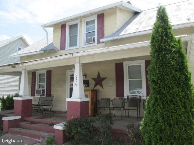 910 E Main Street, LURAY, VA 22835 (#VAPA104530) :: Keller Williams Pat Hiban Real Estate Group