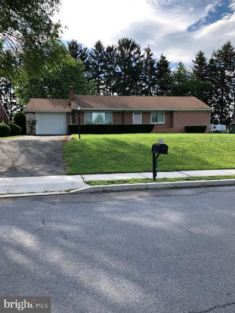 141 Brumbaugh Avenue, CHAMBERSBURG, PA 17201 (#PAFL166462) :: Eng Garcia Grant & Co.