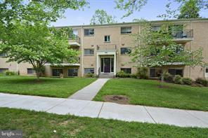 10661 Montrose Avenue #102, BETHESDA, MD 20814 (#MDMC665310) :: The Miller Team