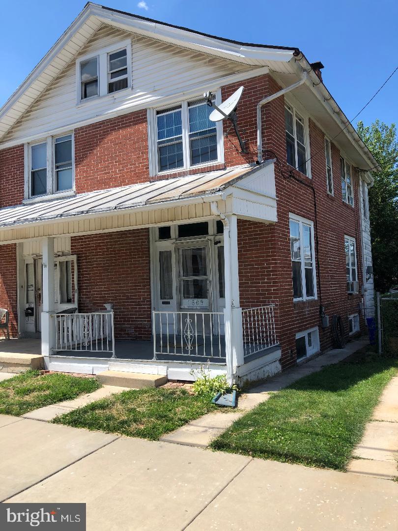 1809 Monroe Street - Photo 1