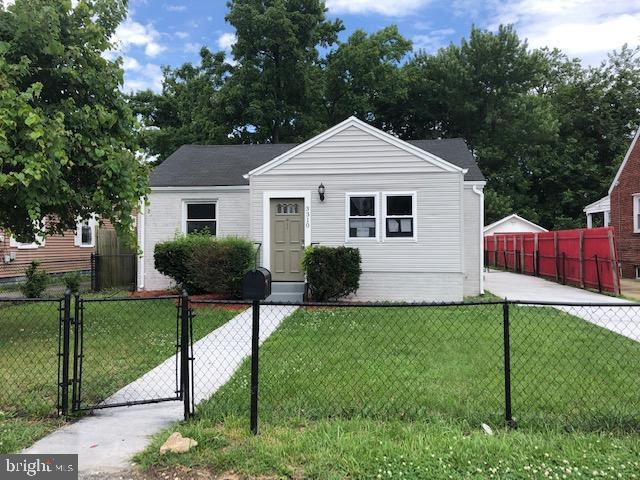 3310 Navy Day Drive, SUITLAND, MD 20746 (#MDPG533342) :: Eng Garcia Grant & Co.