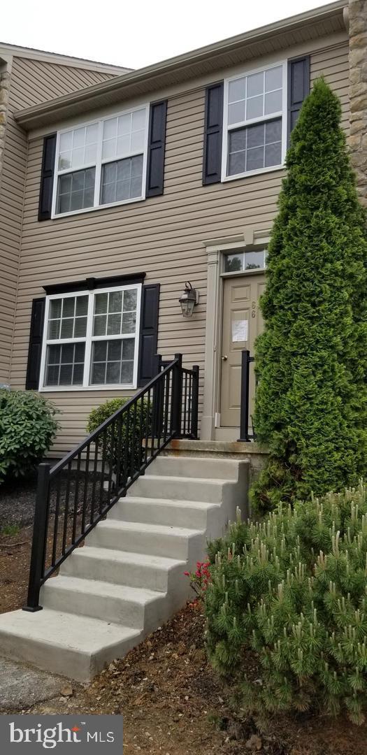 66 E Beaver Street, YORK, PA 17406 (#PAYK119416) :: The Joy Daniels Real Estate Group