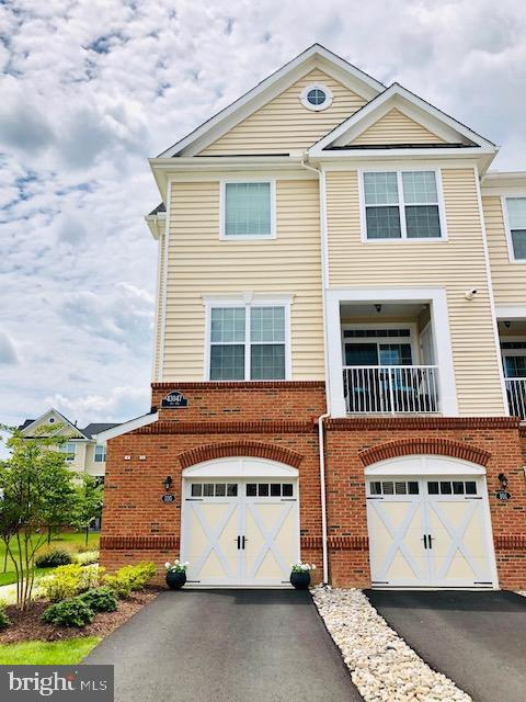 43047 Stuarts Glen Terrace #105, ASHBURN, VA 20148 (#VALO387968) :: AJ Team Realty