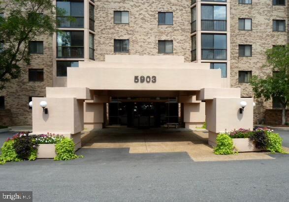 5903 Mount Eagle Drive #701, ALEXANDRIA, VA 22303 (#VAFX1072362) :: Pearson Smith Realty