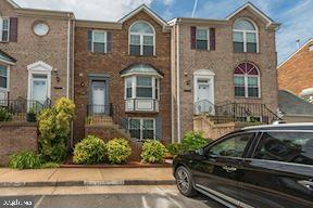 21162 Twinridge Square, STERLING, VA 20164 (#VALO388070) :: The Vashist Group