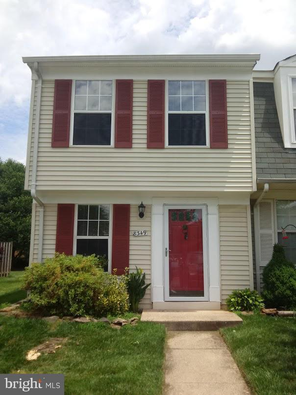 8349 Felsted Lane, MANASSAS, VA 20110 (#VAMN137508) :: The Redux Group