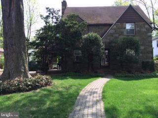 142 Trent Road, WYNNEWOOD, PA 19096 (#PAMC615390) :: Erik Hoferer & Associates