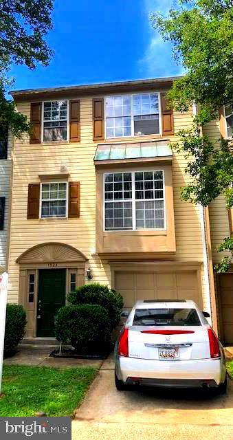 1524 Ashburnham Drive, CROFTON, MD 21114 (#MDAA405152) :: The Riffle Group of Keller Williams Select Realtors