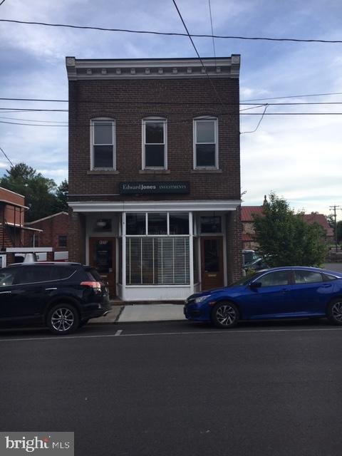 137 W Court Street, WOODSTOCK, VA 22664 (#VASH116424) :: Jacobs & Co. Real Estate