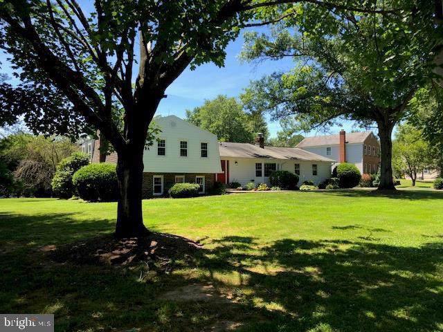 10301 Hickory Creek Court, GREAT FALLS, VA 22066 (#VAFX1074840) :: EXP Realty