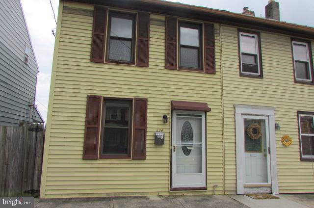224 E Main Street, CAMP HILL, PA 17011 (#PACB115262) :: The Heather Neidlinger Team With Berkshire Hathaway HomeServices Homesale Realty
