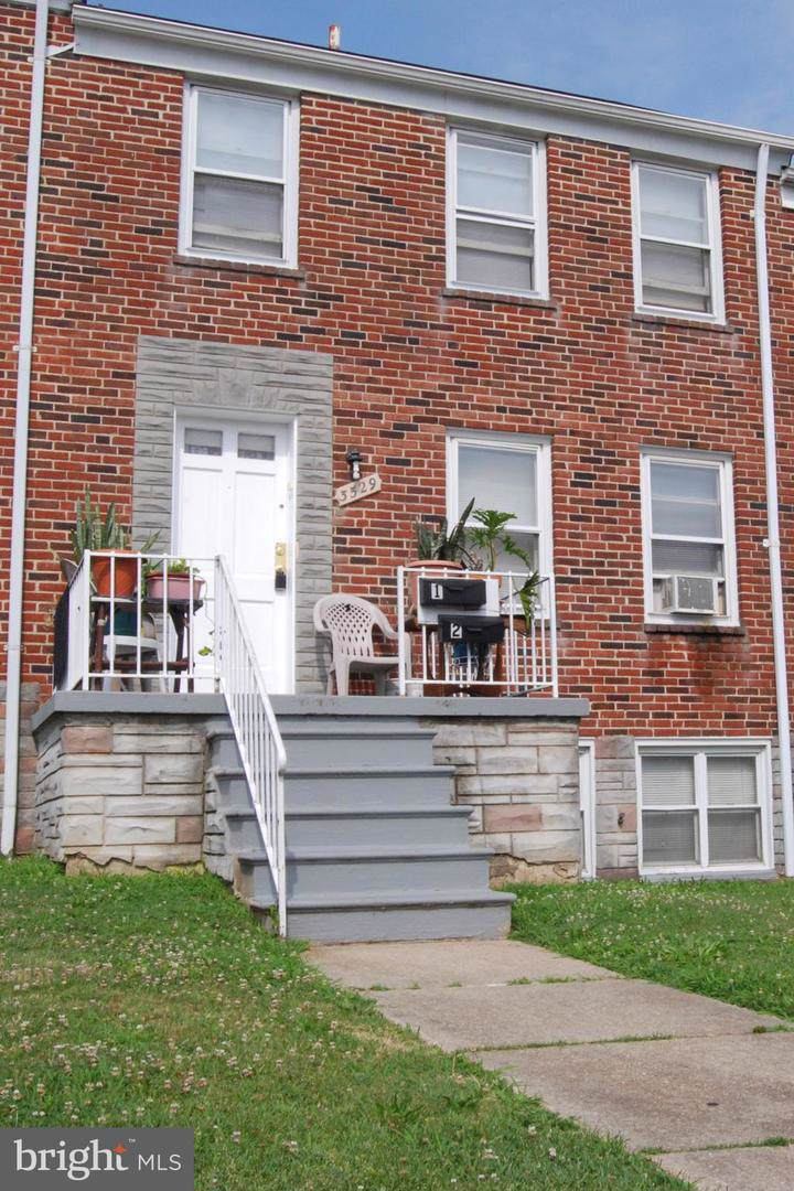 3529 Pelham Avenue - Photo 1