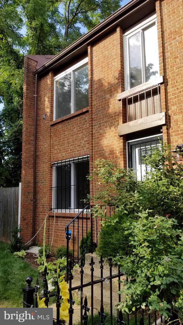 1024 Barnaby Terrace SE, WASHINGTON, DC 20032 (#DCDC435888) :: Browning Homes Group