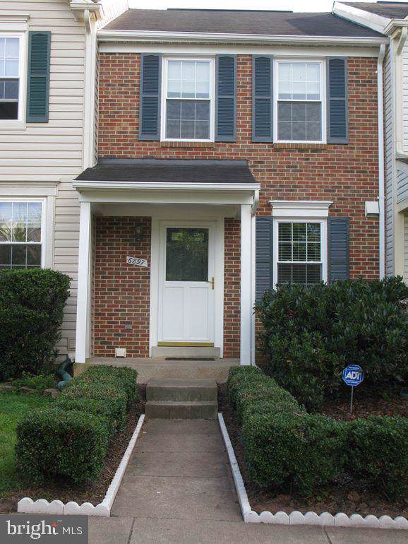 6897 Chasewood Circle, CENTREVILLE, VA 20121 (#VAFX1079076) :: Generation Homes Group