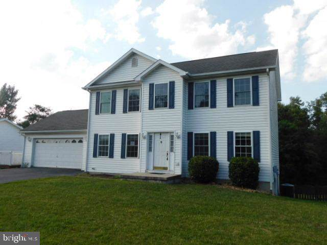 425 Constitution Boulevard, MARTINSBURG, WV 25405 (#WVBE169834) :: The Bob & Ronna Group