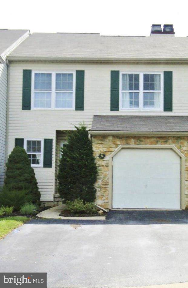 5 Bristol Court, NORRISTOWN, PA 19403 (#PAMC619022) :: REMAX Horizons
