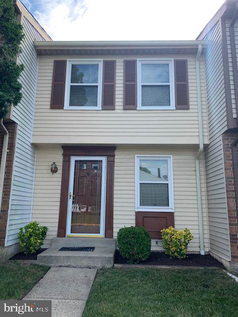 19332 Elderberry Terrace, GERMANTOWN, MD 20876 (#MDMC671706) :: The Riffle Group of Keller Williams Select Realtors