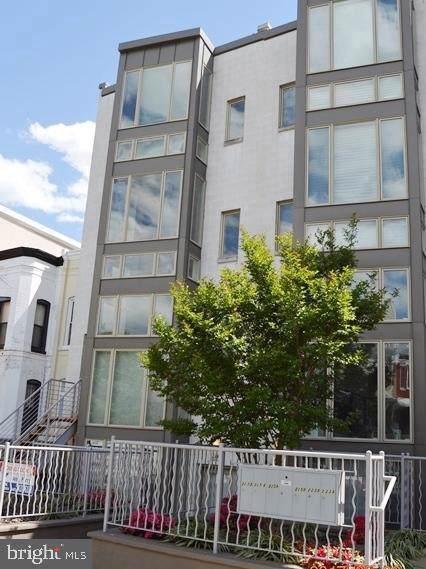 227 R Street NE B, WASHINGTON, DC 20001 (#DCDC436682) :: Crossman & Co. Real Estate