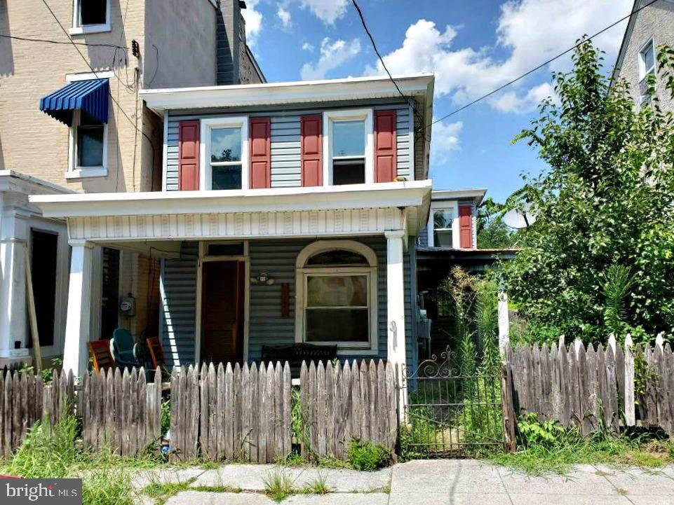 371 Beech Street - Photo 1