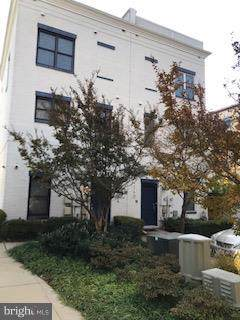 5702 Baltimore Avenue, HYATTSVILLE, MD 20781 (#MDPG539124) :: Keller Williams Pat Hiban Real Estate Group