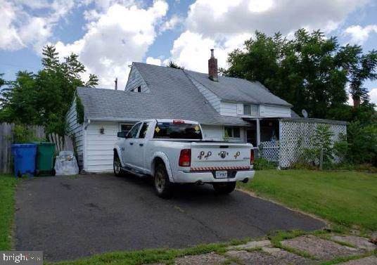 12 Hollyhock Lane, LEVITTOWN, PA 19055 (#PABU477042) :: Kathy Stone Team of Keller Williams Legacy