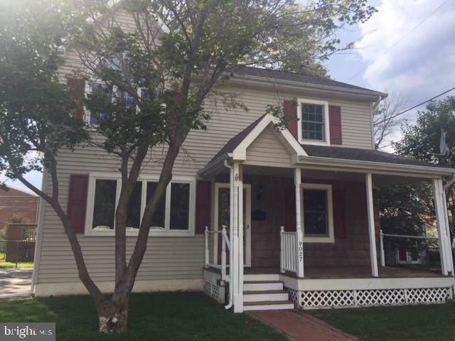 9027 Lynn Avenue, LEVITTOWN, PA 19054 (#PABU477708) :: Better Homes and Gardens Real Estate Capital Area