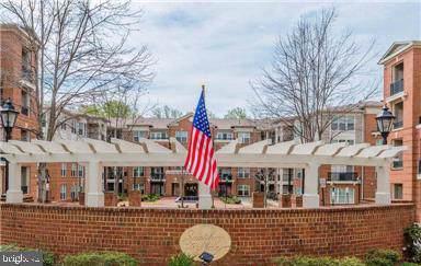 2903 Saintsbury Plaza #210, FAIRFAX, VA 22031 (#VAFX1084686) :: Arlington Realty, Inc.