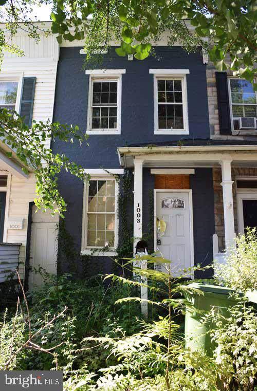 1003 W 38TH Street, BALTIMORE, MD 21211 (#MDBA481252) :: Blue Key Real Estate Sales Team
