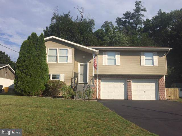 89 Fetrow Lane, NEW CUMBERLAND, PA 17070 (#PAYK123732) :: ExecuHome Realty