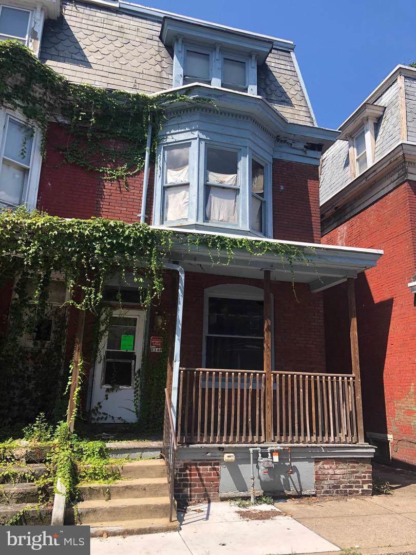 2140 Penn Street - Photo 1