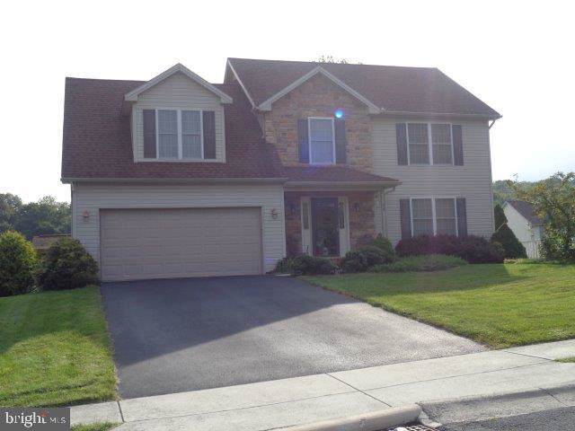 24 Westgate Drive, MOUNT HOLLY SPRINGS, PA 17065 (#PACB116972) :: The Dailey Group