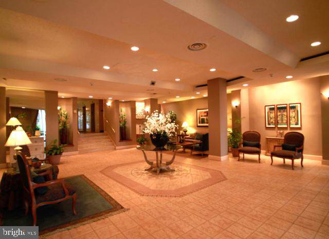 7420 Westlake Terrace #701, BETHESDA, MD 20817 (#MDMC676826) :: Jennifer Mack Properties