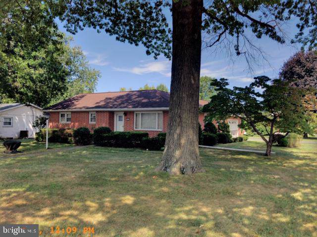1001 W South Street, CARLISLE, PA 17013 (#PACB117436) :: The Joy Daniels Real Estate Group