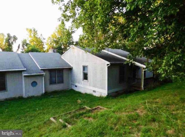 257 Whiskey Still Road, LINDEN, VA 22642 (#VAWR138058) :: Colgan Real Estate