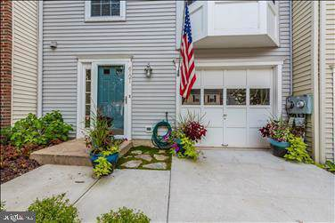6121 Pine Crest Lane, FREDERICK, MD 21701 (#MDFR253448) :: Charis Realty Group
